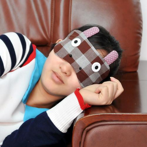 商品名称:可爱卡通立体布艺睡眠眼罩--小狗