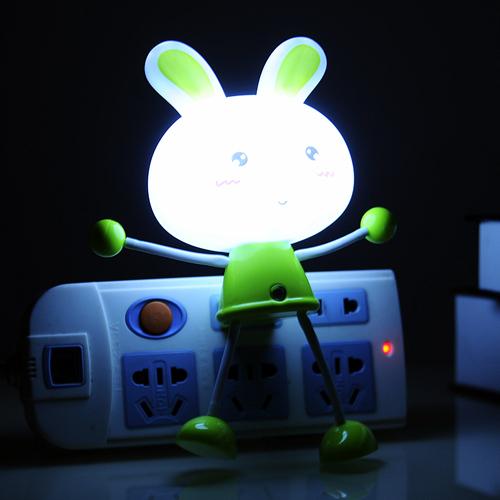 卡通动物智能光控感应百变小夜灯--绿色小兔